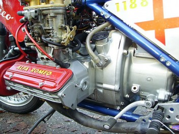[Obrazek: AlfaRomeo331500ccboxerbike146c48.md.jpg]
